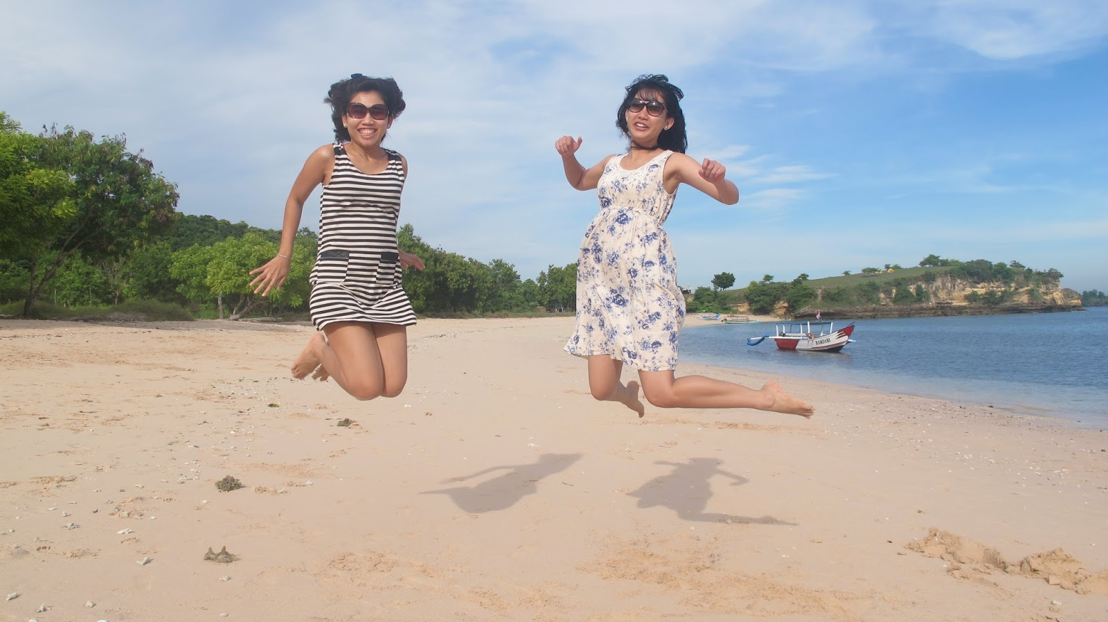 Informasi Lengkap 2 Menuju Pantai Pink Lombok Timur Beach Kab
