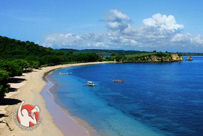 Infrastruktur Jalan Menuju Pantai Pink Dikerjakan Www Tangsi Lombok Timur