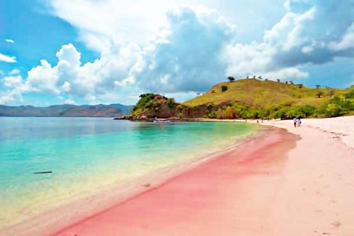 Majalah Vogue Korea Nobatkan Pantai Pink Jadi Terbaik Beach Lombok