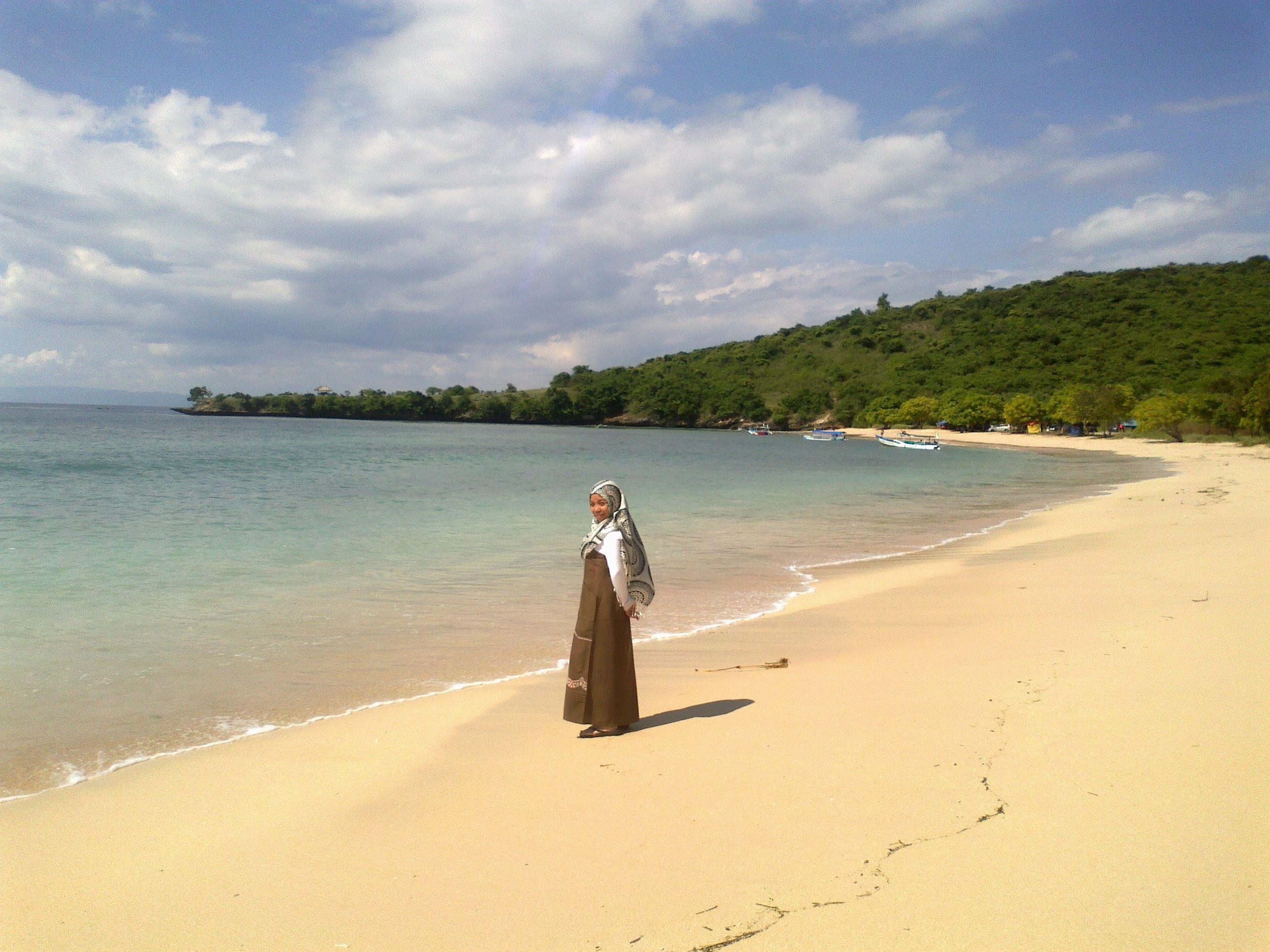 Pantai Pink Terletak Kecamatan Jerowaru Kabupaten Lombok Timur Pasirnya Berwarna