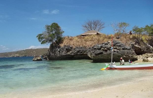 Pink Beach Eloratour Pantai Tangsi Lombok Kab Timur