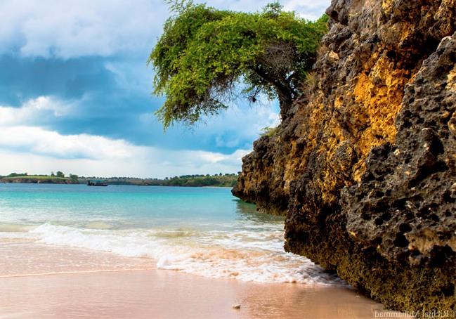 Ragam Wisata Info Keindahan Pantai Pink Lombok Surga Timur Salah