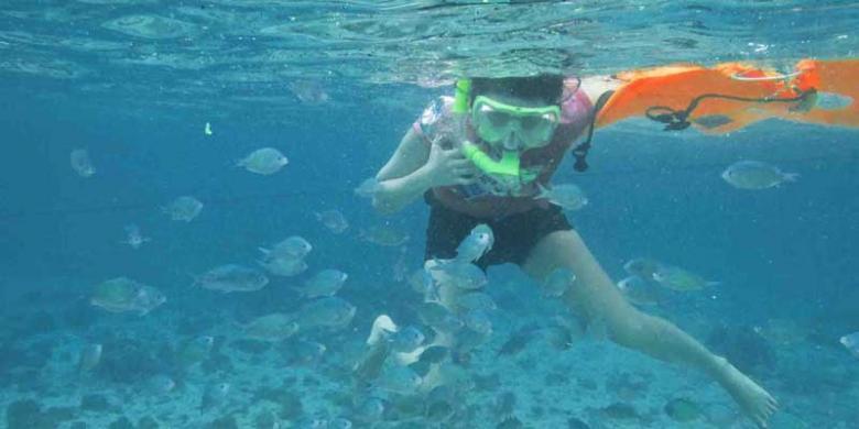 Rona Merah Bibir Pantai Tangsi Kompas Snorkeling Gili Petelu Kabupaten