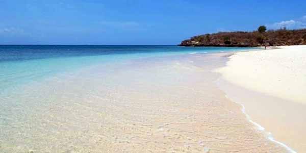 Uniknya Pantai Pink Lombok Timur Pulau Gilis Perhatikan Tulisan Pinggir