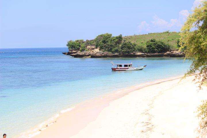 Wisata Pantai Pink Lombok Timur Paket 1 Hari Kab