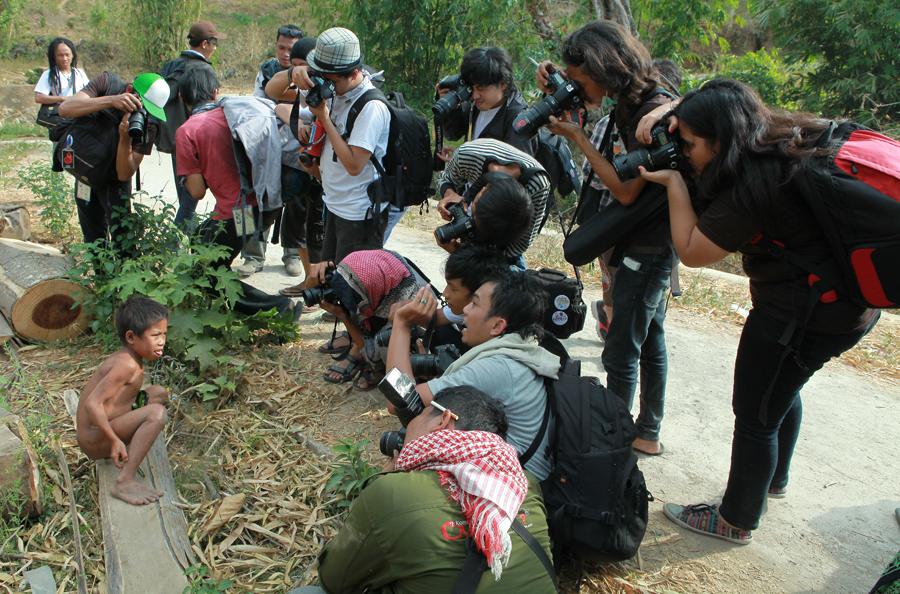 Jambore Fotografi Mahasiswa Indonesia Lombok Adapun Hunting Budaya Laksanakan Dusun