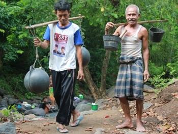 Primadona Lombok 2011 09 18 Utara Dinas Kependudukan Catatan Sipil