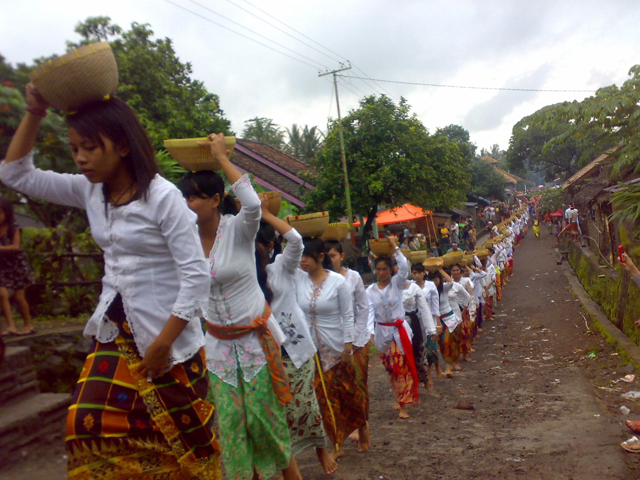 Sapa Tan Mawi Adat Ambayani Desa Gumantar Kab Lombok Utara