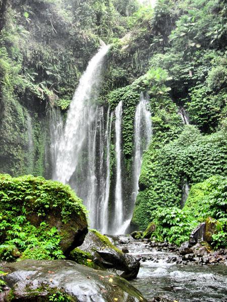 10 Tempat Wisata Pulau Lombok Indah Pantai Alam Perawan Objek