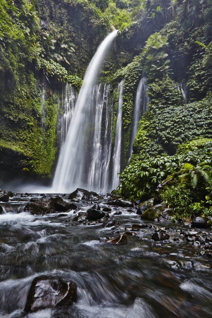 Air Terjun Tiu Kelep Pulau Lombok Majalah Indonesia Online Terletak