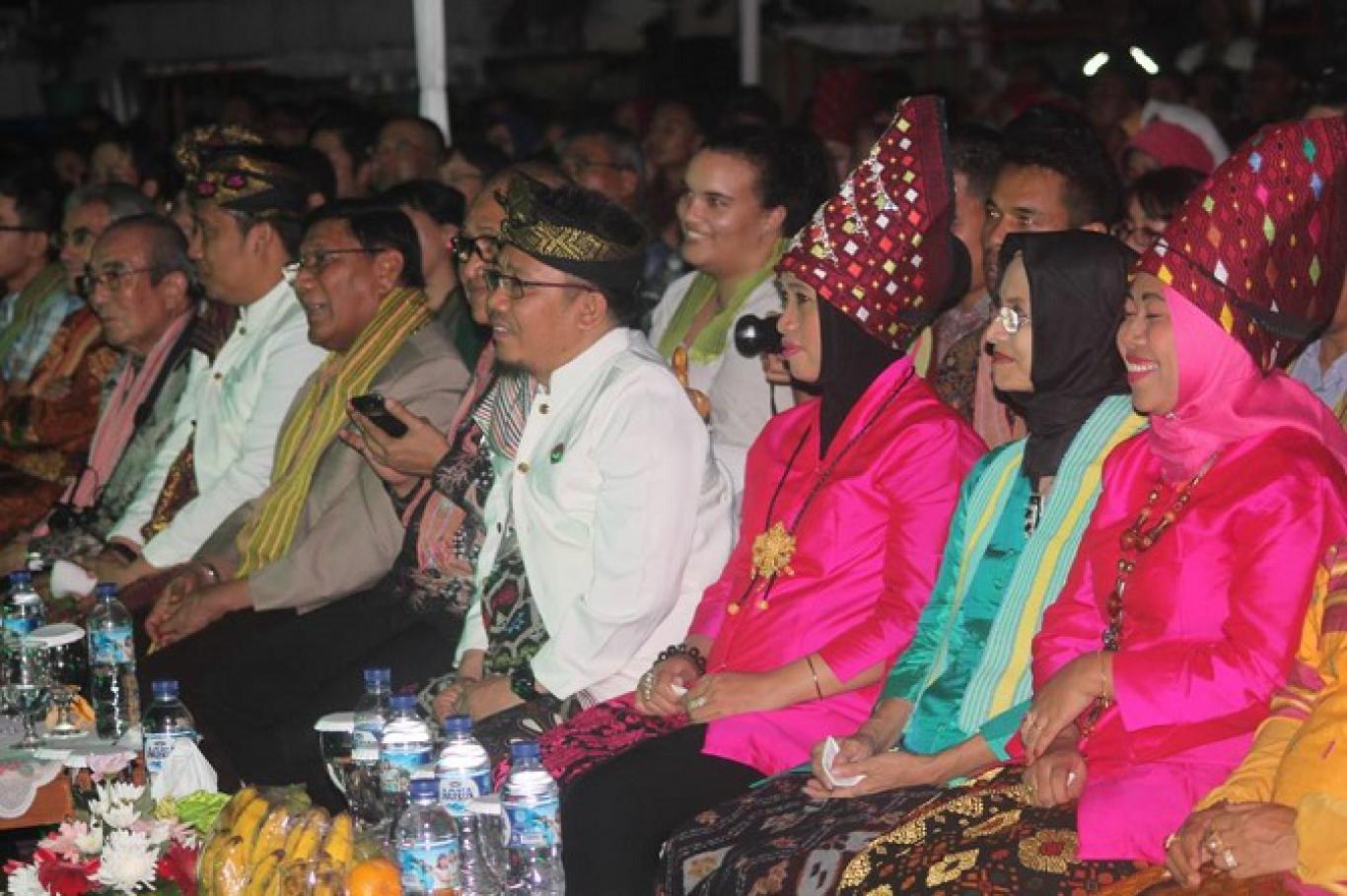 Budaya Lombok Utara Pukau Mata Dunia Panggung Tmii Website Thopymiring