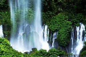 Pemandangan Indah Disajikan Air Terjun Sendang Gile Lombok Utara Desa