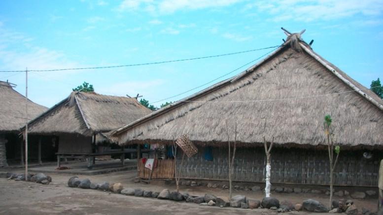 Rumah Tradisional Kampung Senaru Bayan Lombok Utara Karyabesacom Khas 2