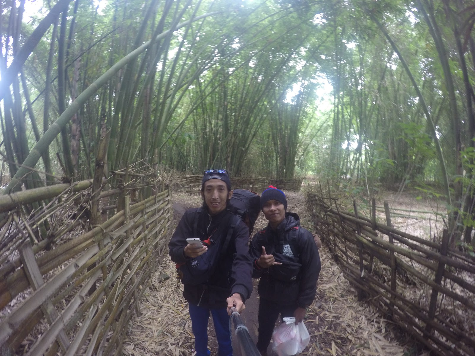 Wisata Pulau Lombok Trekking Bukit Nanggi Sembalun Timur Kedua Melewati