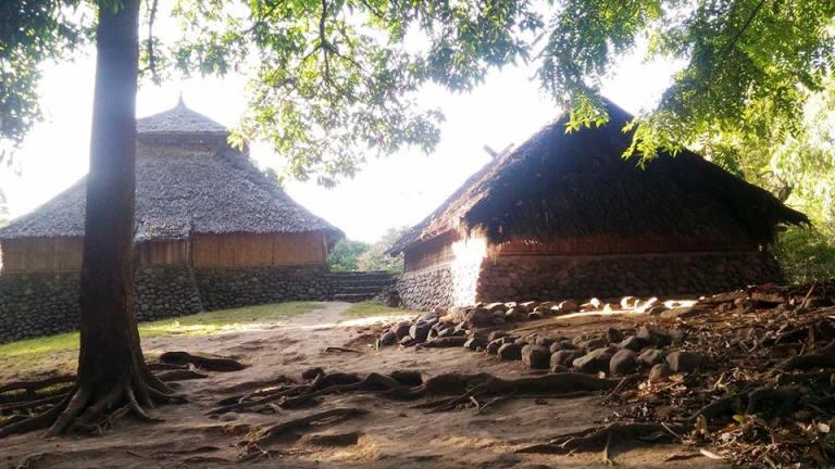 Desa Karang Bajo Lombok Utara Makam Syeh Gauz Abdul Razak