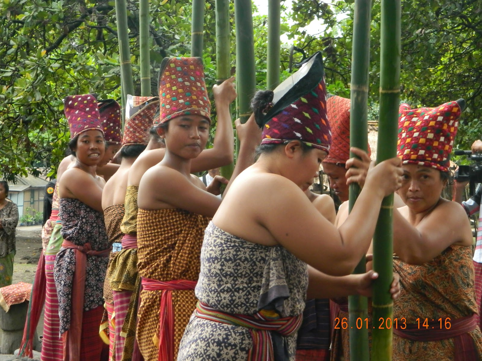 Prosesi Sejarah Maulid Adat Bayan Lombok Beleq Utara Masjid Kab
