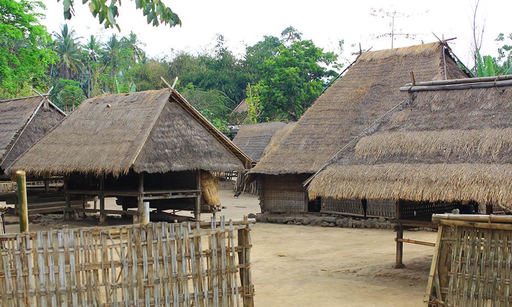 Wisata Budaya Lombok Utara Dasan Beleq Desa Gumantar Masjid Bayan