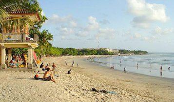 Keindahan Pura Pantai Petitenget Badung Bali Miliki Oleh Pun Tak