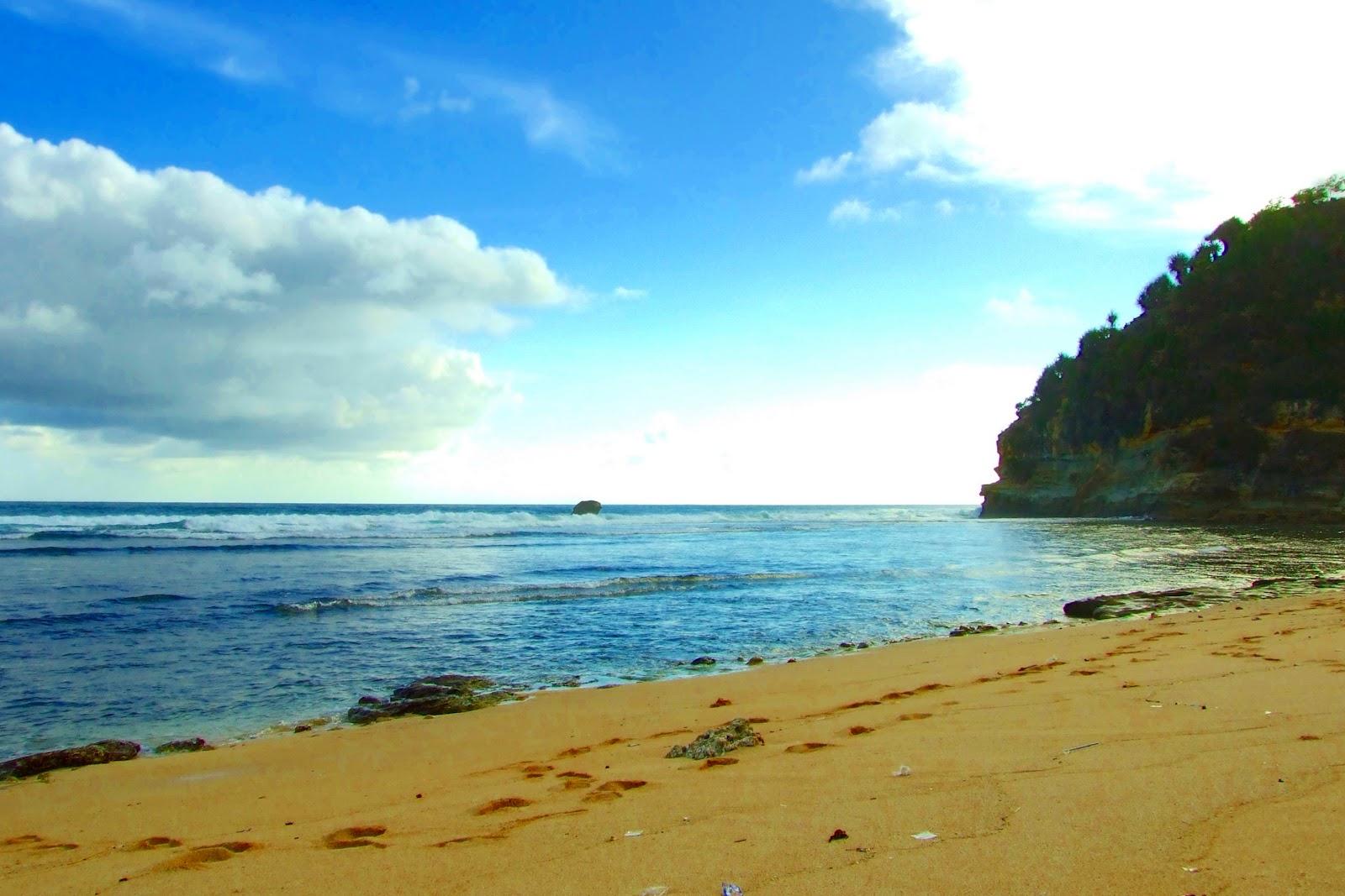 Pantai Matahari Carita Salah Satu Pesisir Utara Banten Bahkan Cuaca