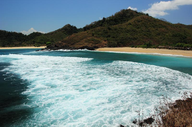 Pantai Mawi Surganya Peselancar Lombok Tengah Tempat Wisata Selancari Lokok