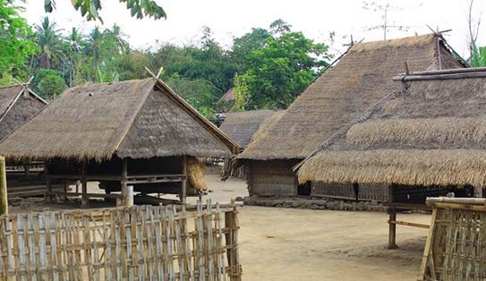 Wisata Halal Lombok Sumbawa Desa Adat Dusun Belek Terletak Gumantar