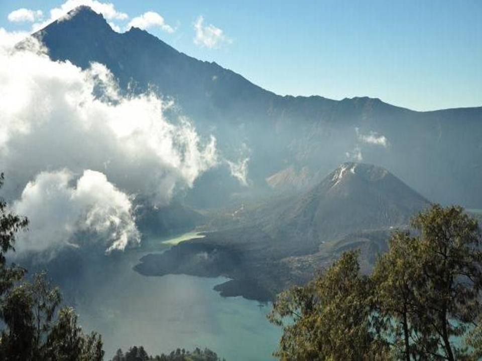 Wisata Menakjubkan Kabupaten Lombok Utara Klu Wisataku07 Gunung Rinjani Slide8