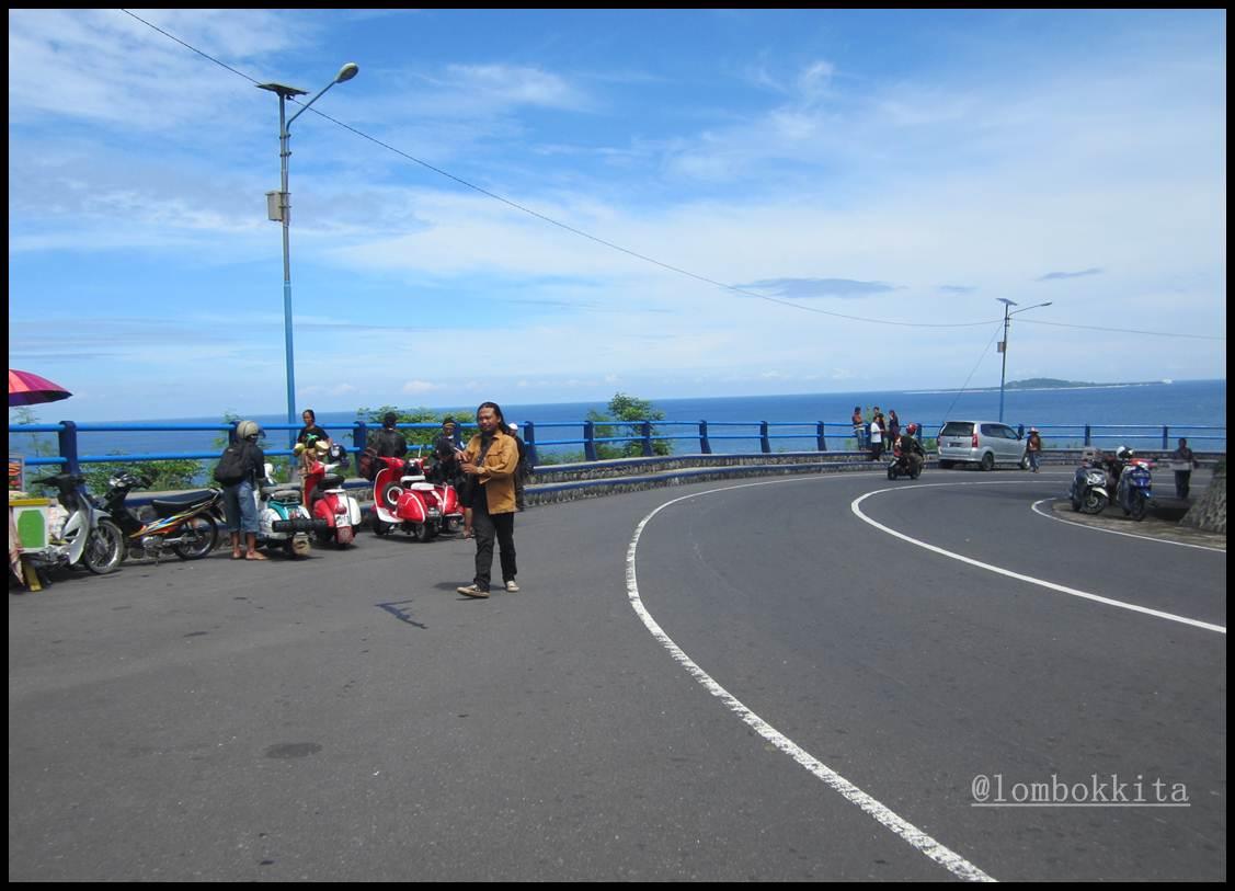 Menikmati Indahnya Pantai Malimbu Lombok Jalan Makan Aksesoris Kerajinan Gelang