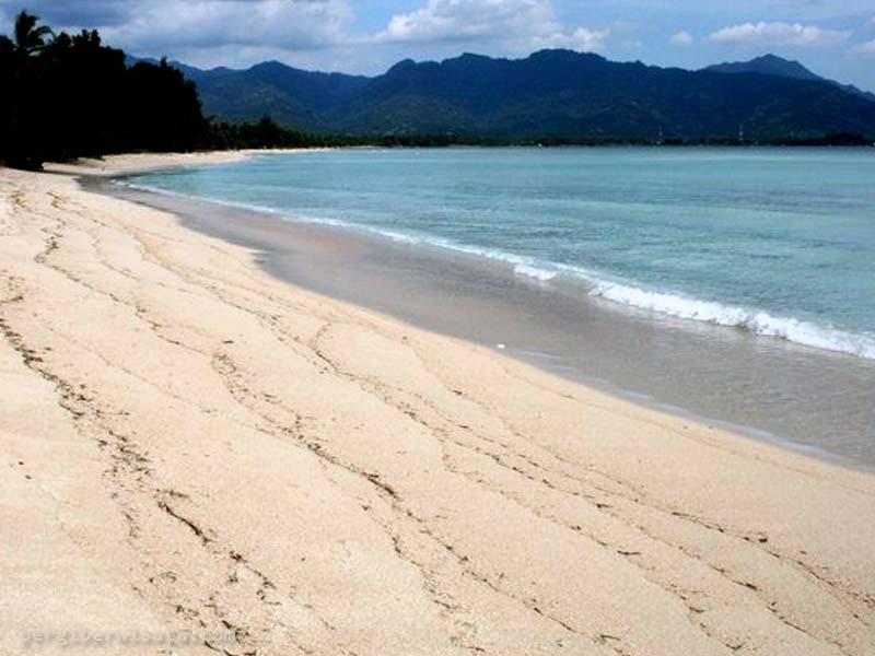 Pantai Sire Lombok Pesona Kabupaten Utara Tepi Wisatawan Menyaksikan Keindahan