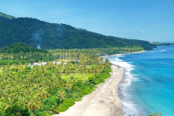 Villa Hantu Lombok Destinasi Cantik Cerita Miris Pantai Malimbu Kab