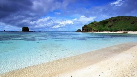 Jernihnya Pantai Sire Beach Lombok Utara Paket Wisata Bertandang Pulau