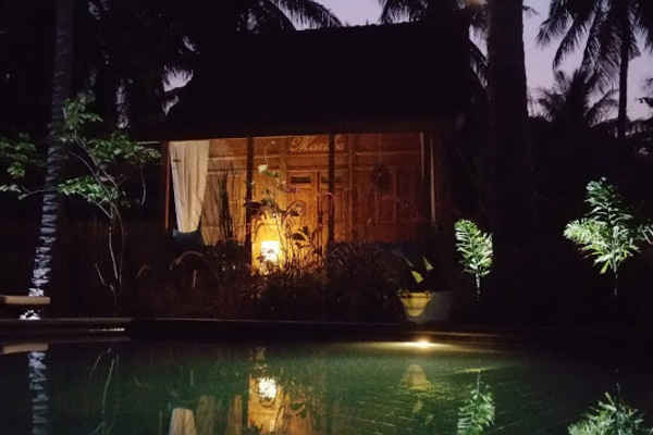 Gili Islands Accommodation Holiday Rentals Suite Traditional Joglo Jalan Vila