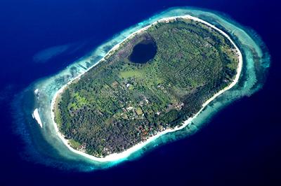 Gili Meno Islands Visitors Attracted Lure Total Escapism Popular Honeymooning