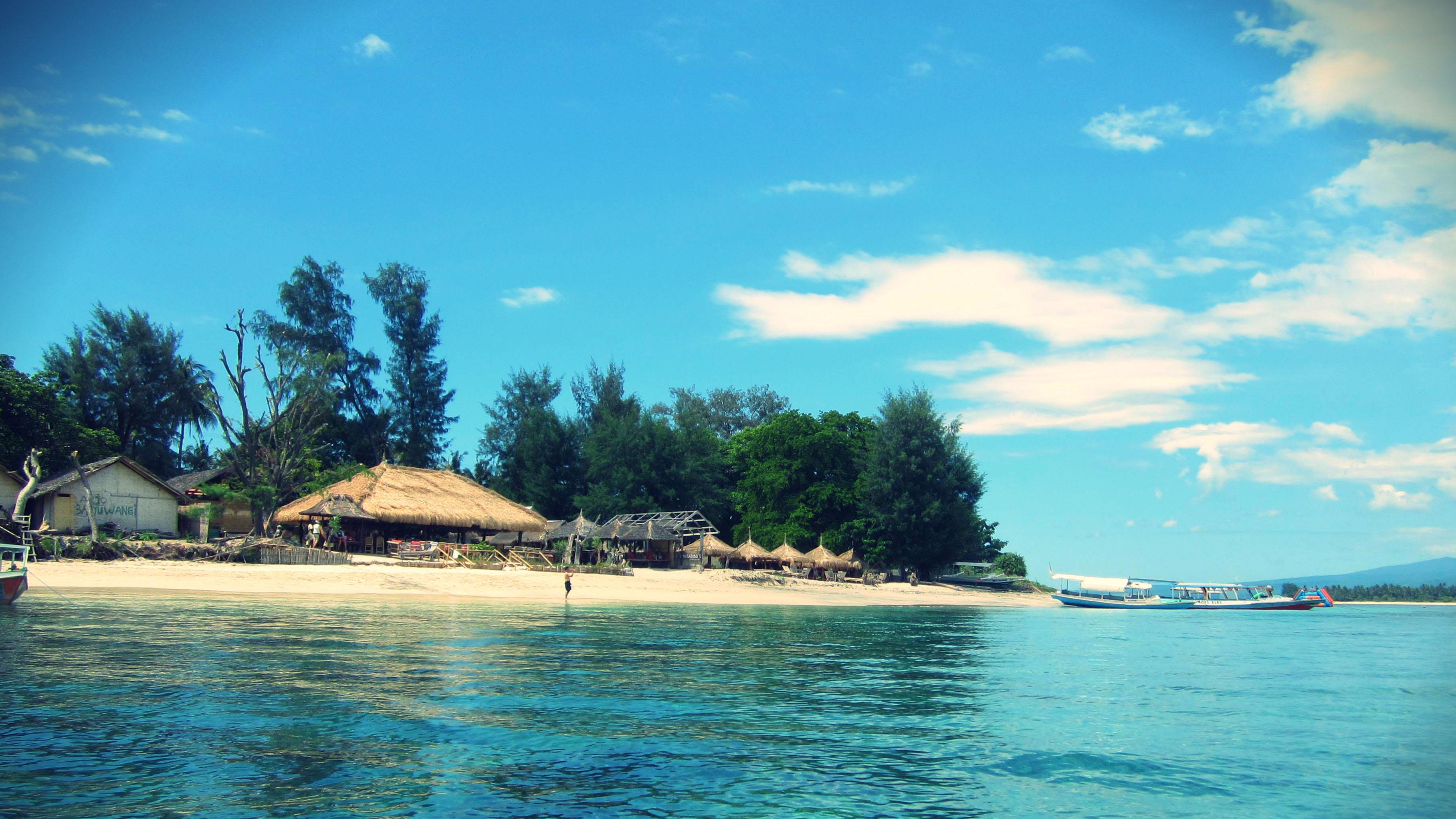 Pantai Gili Air Destinasi Tempat Wisata Ramai Pengunjung Lombok Pulau