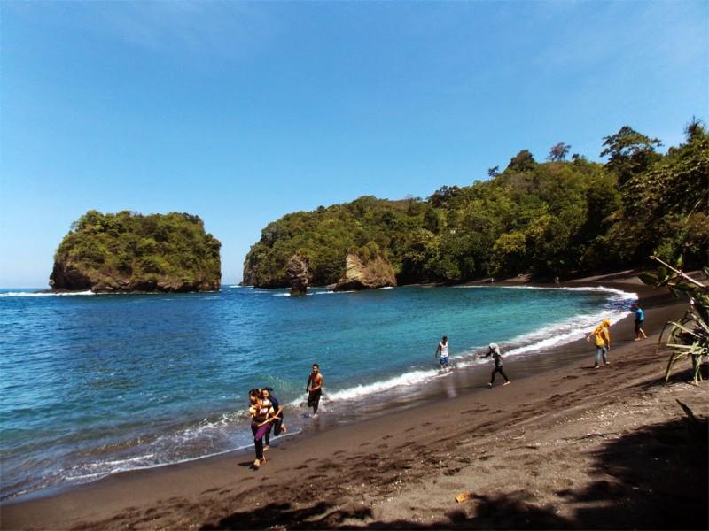 Destinasi Wisata Lumajang Terbaru Keren Wajib Kunjungi Kamu Kolam Renang