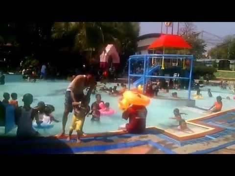 Water Park Kereta Monorel Kwt Lumajang Youtube Kolam Renang Veteran