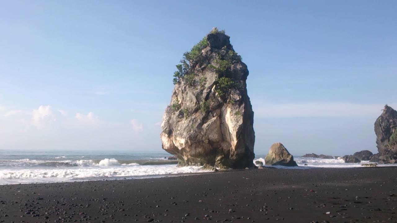 5 Pantai Terindah Lumajang Salah Satu Wisata Tujuan Terpopuler Indah
