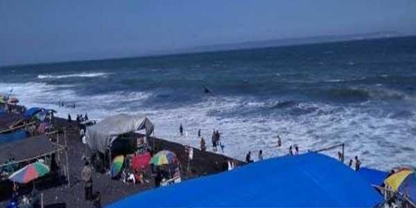Iksan Hilang Terseret Ombak Pantai Bambang Nasional Www Inilah Kab