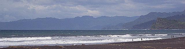 Moza Side Story Keindahan Misteri Terselubung Laut Bambang Dikenal Ombaknya