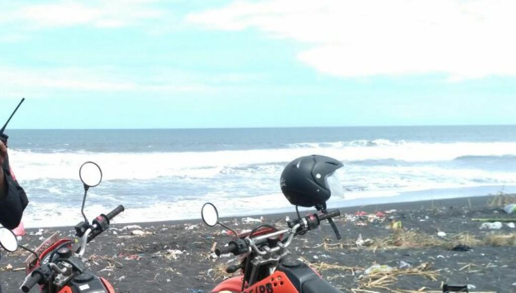 Ombak Pantai Bambang Mayat Iksan Tak Kunjung Ditemukan Terseret Kab