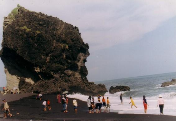 Pesona Keindahan Wisata Watu Pecak Lumajang Daftar Tempat Layaknya Obyek
