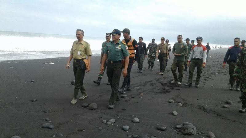 Remaja 15 Hilang Terseret Ombak Pantai Bambang Lumajang Doc Kab