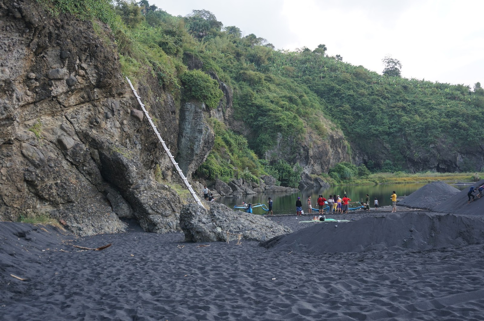 Jalan Pantai Dampar Tempursari Lumajang Danau Bekas Galian Pasir Besi