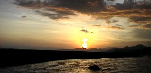 Ombak Berlapis Pantai Bambang Tlepuk Kab Lumajang