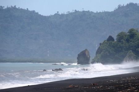 Balik Pesona Pantai Tempursari Lumajang Republika Online Tak Jauh Lokasi