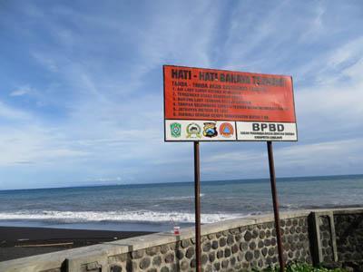 Indahnya Telaga Pantai Watu Godek Lumajang Oleh Mbah Ukik 14205085911978399744