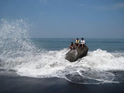 Indahnya Telaga Pantai Watu Godek Lumajang Oleh Mbah Ukik 142055902848674562