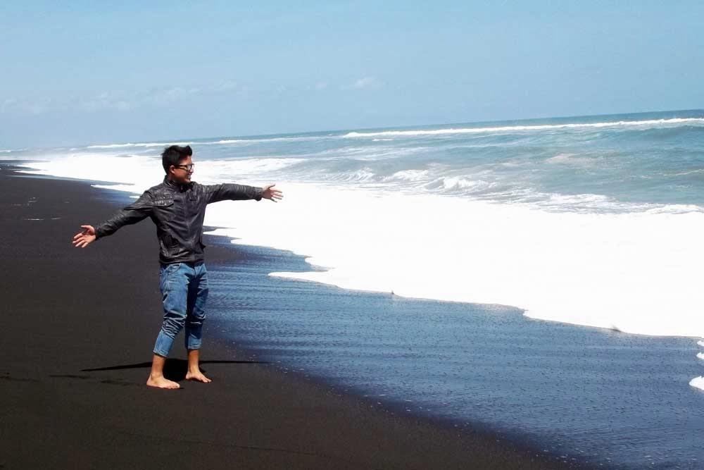 Keindahan Wisata Bahari Watu Pecak Lumajang Kim Sinar Harapan Pantai