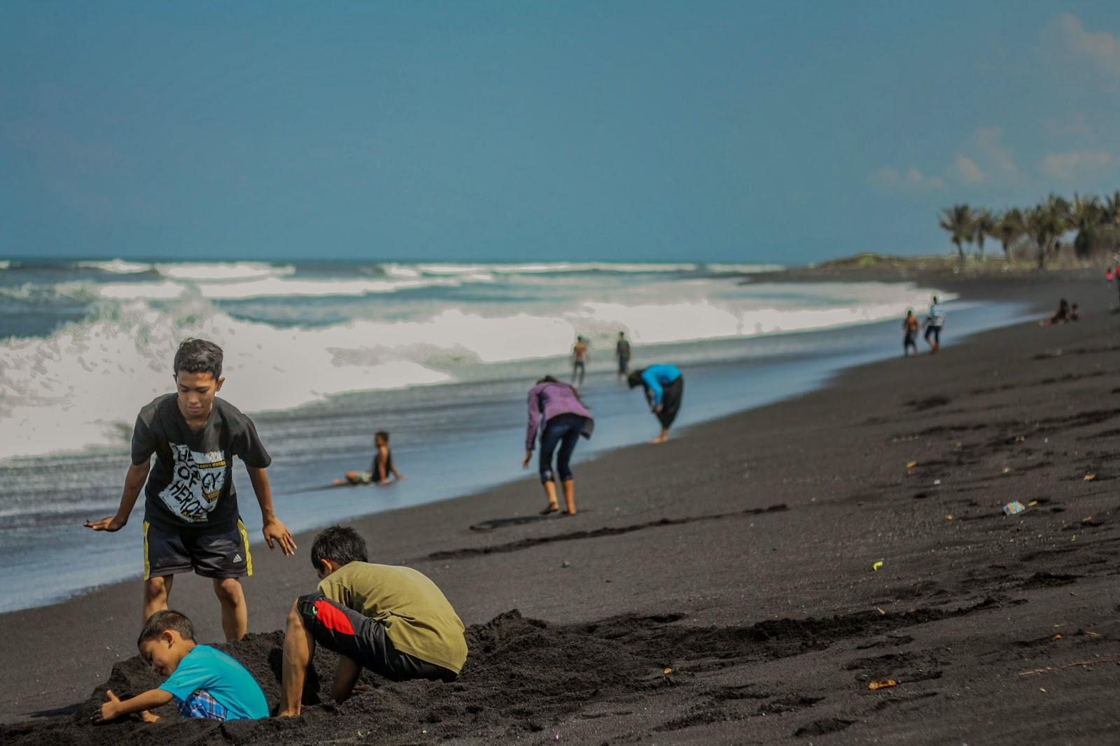 Pantai Watu Pecak 2 Jpg Kab Lumajang