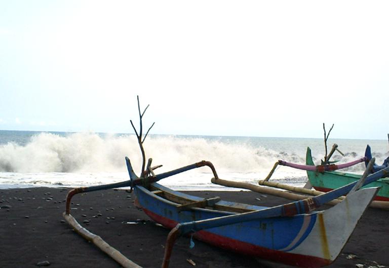 Pantai Watu Pecak Kim Serai Arum Terletak Desa Selok Awar