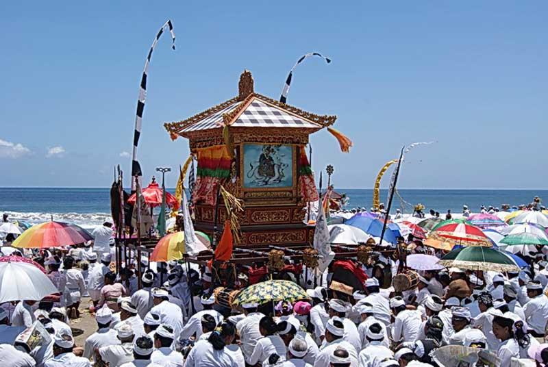 Ritual Melasti Pantai Watu Pecak Lumajang Kim Sinar Harapan Kab